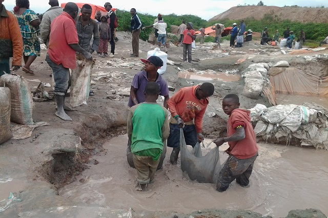 Lualaba : la société civile alerte sur la  présence des enfants dans les mines
