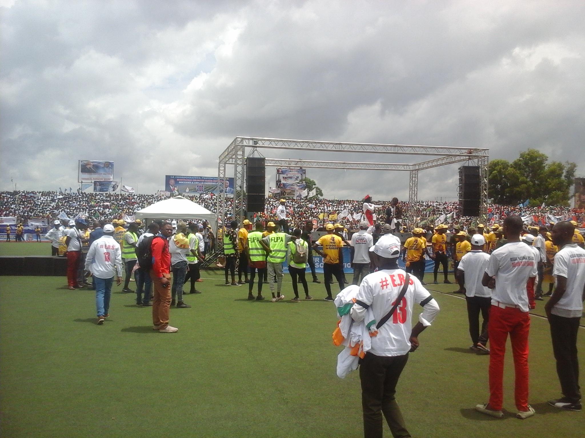 Lubumbashi: ambiance au stade de la Kenya avant l'arrivée du candidat FCC