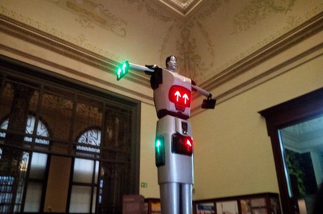RDC-Belgique :le robot roulage ''Made in Congo ''dans l'exposition  du Musée de Tervuren