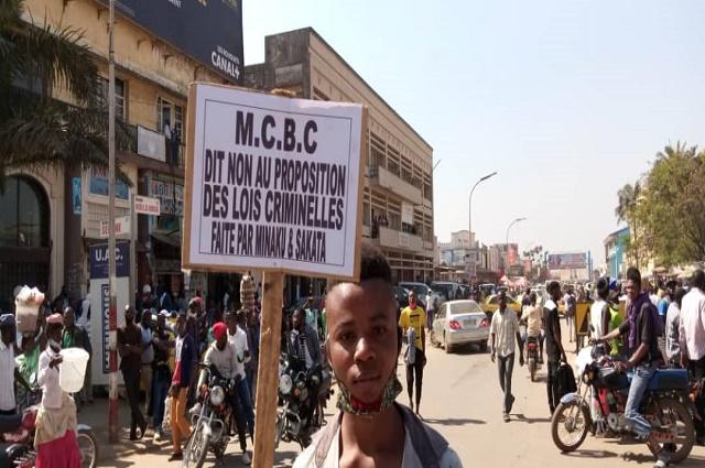 Lubumbashi: manifestation contre les projets de lois Minaku et Sakata