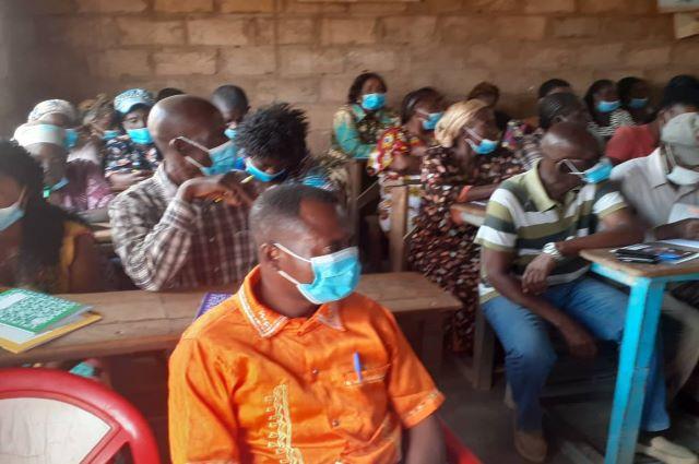 Les habitants du quartier Kabecha dénoncent la corruption dans le système Judiciaire lors du club d'écoute organisé par Ucofem Haut Katanga