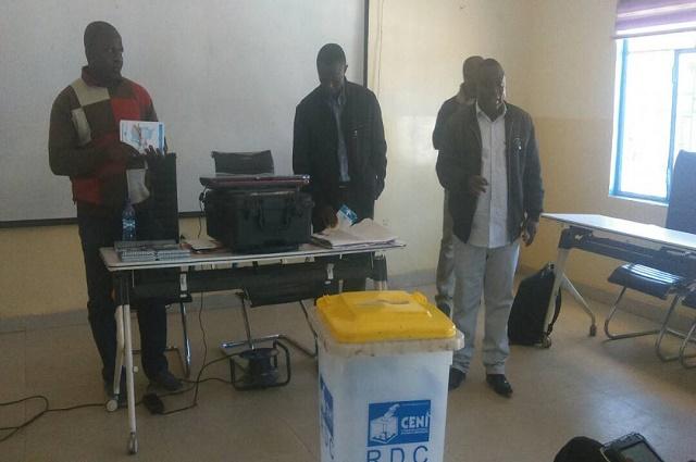 Lubumbashi:  la société civile teste la Machine à Voter