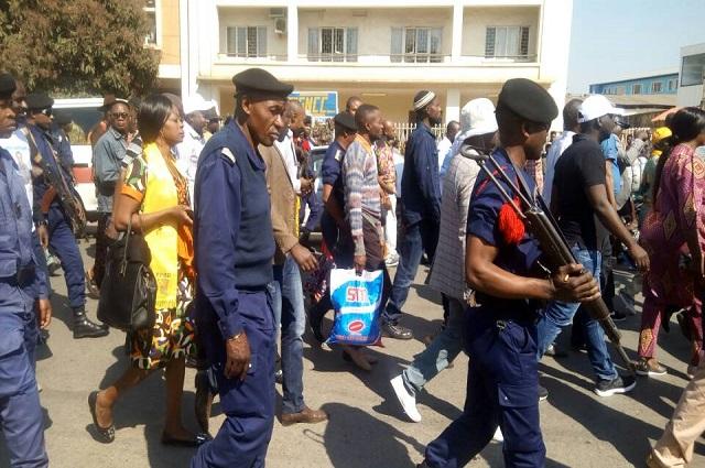 Lubumbashi: Une marche encadrée par la police pour soutenir le processus électoral