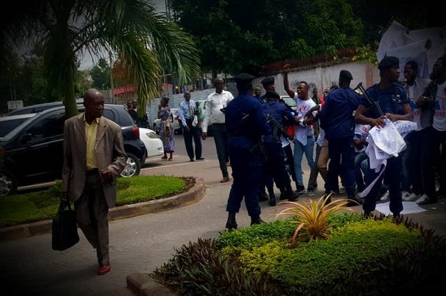 RDC : la police disperse le sit-in de CASC devant l'hôtel de gouvernement à Kinshasa