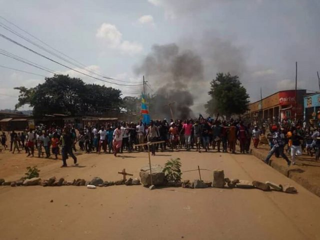 BENI: des jeunes manifestent contre le report des élections dans trois circonscriptions électorales