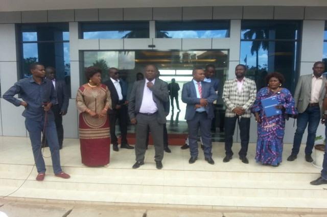 Lubumbashi : quand le gouverneur  Pande Kapopo crache sur les femmes