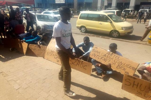 Lubumbashi: La Lucha en sit –in pour exiger des services de qualité ainsi que la baisse de prix de Telecom