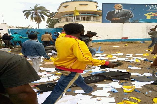 Lubumbashi: le siège du PPRD vandalisé par les militants de l'UDPS, la police fait usage de gaz lacrimogenes