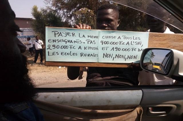 Haut-Katanga: les enseignants de Mimbulu disent non à la disparité du taux de paie